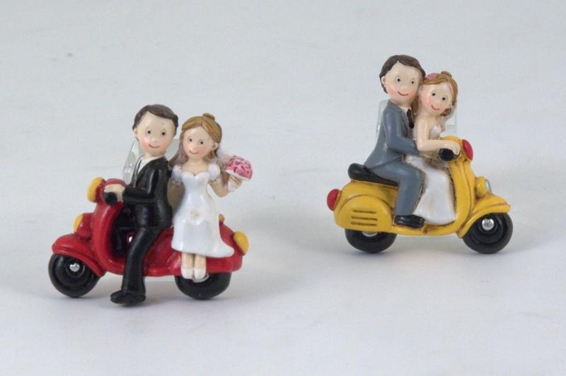 Bomboniere Matrimonio Bari.Emmebi Magnete Sposi Su Motocicletta Vespa Bomboniere