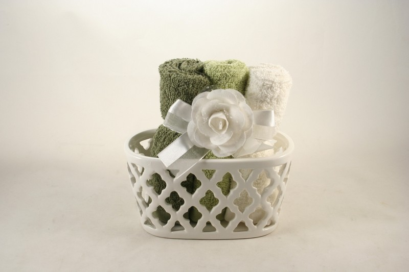 Hervit set bagno con asciugamani bomboniere bomboniere porcellana bari garofalo snc - Set asciugamani bagno ...