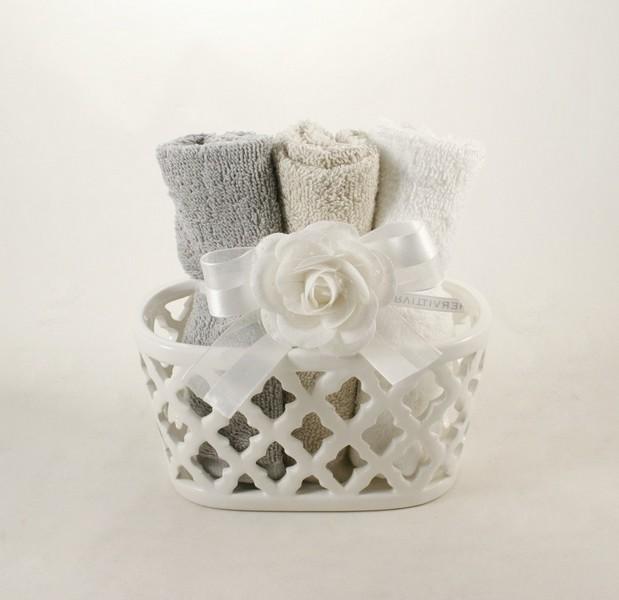 Hervit set bagno con asciugamani articoli da regalo set bagno bari garofalo snc - Set asciugamani bagno ...
